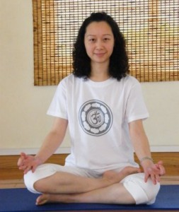 Cathrine Zhong, yoga docente te Genk, Limburg